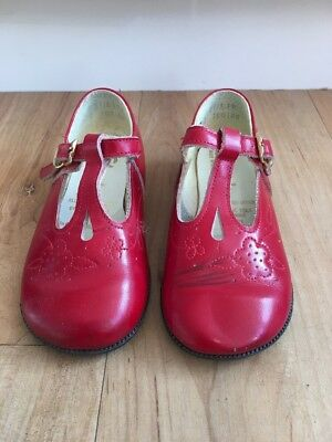 Little Girls Vintage Red Leather CLARKS Toddler Mary Janes Size 2 - 3