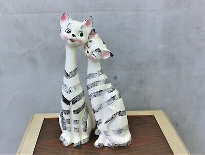 Vintage Ceramic Couple of Cats Set of Two Matching Cat Figurines porcelain kitte