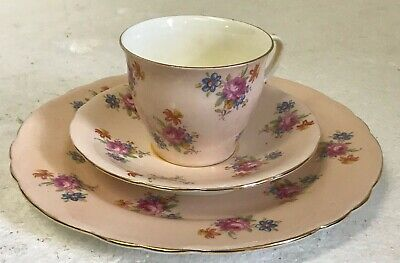 Aynsley England Bone China Trio Tea Cup & Saucer Set