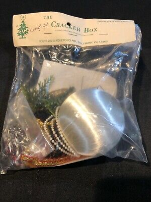 Rare The Cracker Box Elegant Christmas Tree Ornament Kit, Lamplight