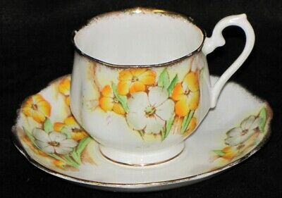 Vintage Royal Albert Crown England Porcelain Bone China Petunia Teacup & Saucer