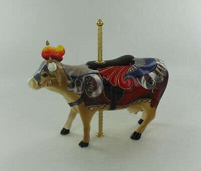 Retired Cow Parade Figurine - Lady Camoolot Cow  #7315