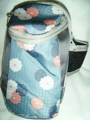 Arm Band Pouch for sports - Running Riding Climbing Jogging - Blue daisy