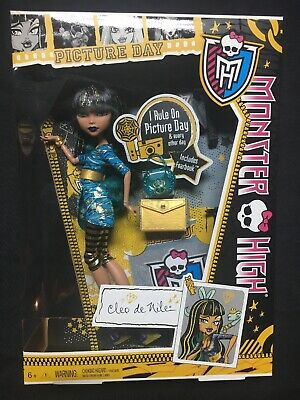 Monster High PICTURE DAY Cleo De Nile Doll NEW Retired Fearbook Barbie Mattel