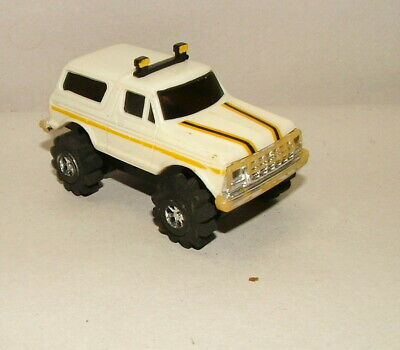 % 1980'S Battery Operated Schaper Stomper White Yellow Pin Stripe Bronco