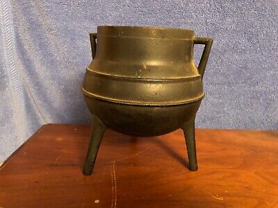 Antique Metalware Cast Iron Pot Three Legged Made in Portugal, Heavy