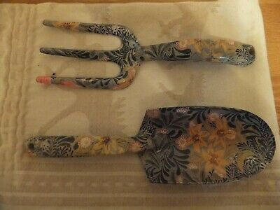 William Morris Floral Hand Trowel & Fork Set.  Wild & Wolf, V&A  Design