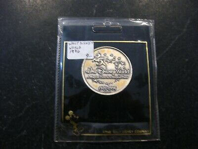 Bronze Color Walt Disney World 25th Anniversary Coin 1971-1996 retail packaging