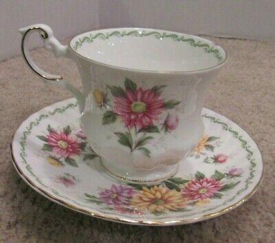 Queens Fine Bone China Footed Teacup & Saucer Aster Pattern Vintage Lovely