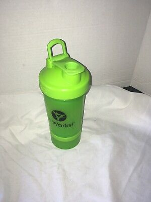 It Works Lime Green Shaker Bottle 16 Ounce Snack pack on bottom.