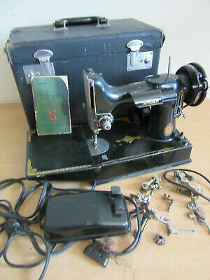 Vintage Singer Featherweight #221-1 black sewing machine with case & access. #2