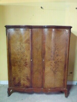 Small French Marquetry serpentine Armoire  C1930 (HS104)