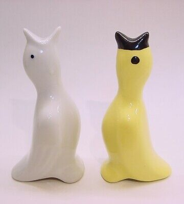 2 Vintage KNOBLER Pie Bird Funnel/Vents * White and Yellow w/black beak