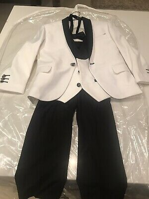 White and Black Pageboy 4 Piece Suit Size 5