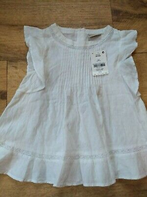 BNWT girls white summer NEXT top. 5 years.         (3/10)