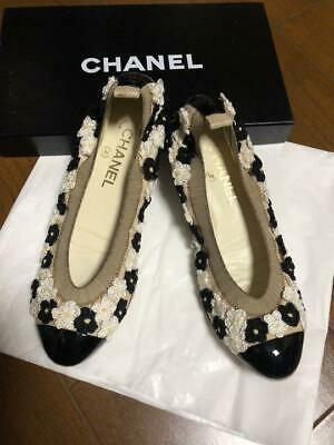 Authentic CHANEL Vintage Flat Shoes 37 1/2 C White Black Flower With Box Women's