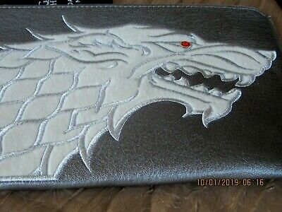 Game Of Thrones Danielle Nicole Stark House Wristlet Silver Pouch White Wolf Hbo