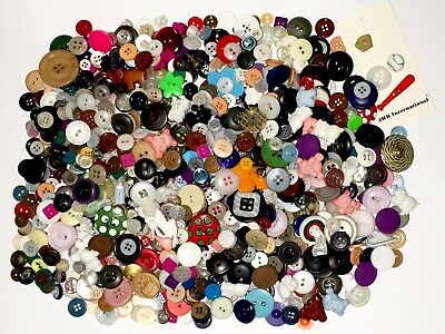 Huge Lot 1,000+ Vintage To Modern Craft Sewing Buttons, Plastic Mop Metal +