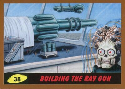 Mars Attacks The Revenge Bronze [25] Base Card #38 Building the Ray Gun