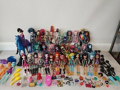 Monster High Dolls Bundle 37 Dolls Accessories Catty Noir Freaky Fusion