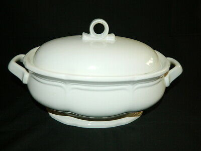 Mikasa French Countryside 2 1/2 qt Oval Covered Vegetable Bowl Casserole Dish