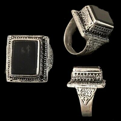 Stunning Top Quality Post Medieval Silver Ring With A Black Stone (2)