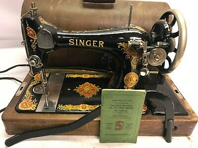 1925 Singer Sewing Machine No. 128-13 w Case, Manual & attachments