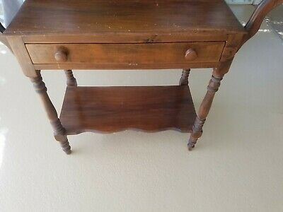 Antique Wash Stand, good condition.