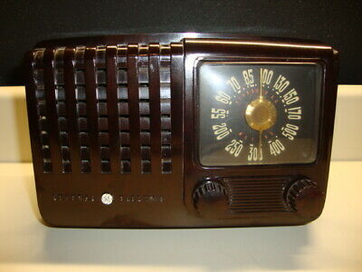 Vintage 1940's General Electric Tube Radio Model 110 Works, Good Condition