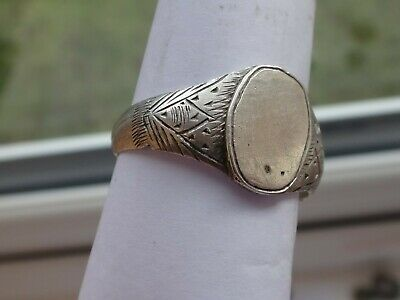 Ancient Roman or Medieval Silver Ring    10