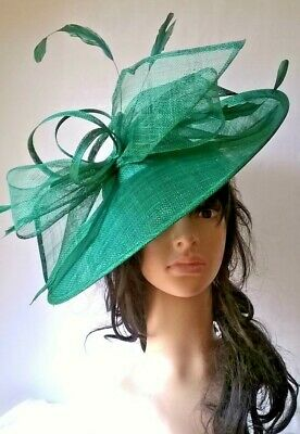 LIME GREEN SINAMAY /& FEATHER HATINATOR HAT.Large saucer disc Wedding.races.