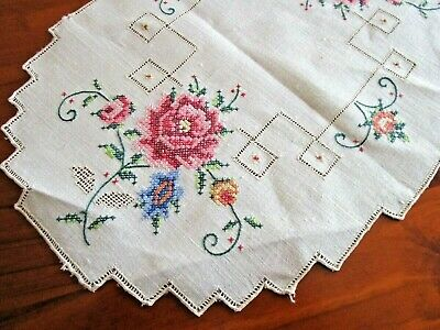 Pretty Vintage Hand Cross  Stitched Linen  Doilie ~ Rose Flowers - Free Postage