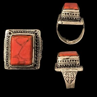 Stunning Top Quality Post Medieval Silver Ring With A Red Stone (1)