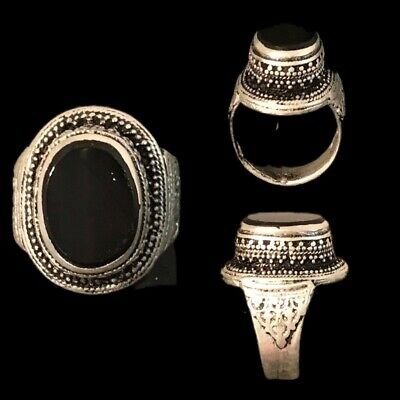 Stunning Top Quality Post Medieval Silver Ring With A Black Stone (9)