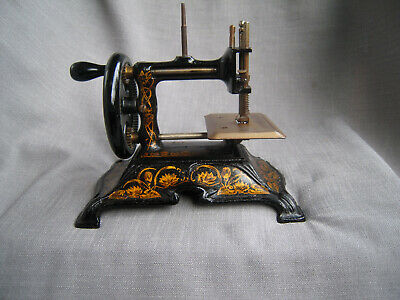 Antique  Art Nouveau German cast iron sewing machine