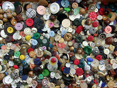 3 Lbs Pounds Vintage Boxlot of SEWING BUTTONS Mixed Lot   NR