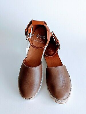 Brand New EOS Ladies Espadrille Style Flat Sandals Leather Closed toe