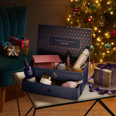 LookFantastic Beauty Chest 2019  Eve Lom  Burberry not advent   Value £360+