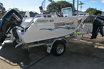New 2018 Formosa 455 Tomahawk Classic Side Console Boat Package