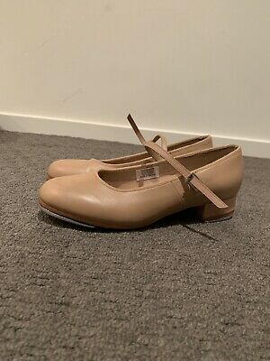 Size 8 women's Bloch tap shoes