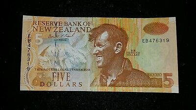 $5.00 Five Dollars New Zealand  Banknote   Nz Note    # 102