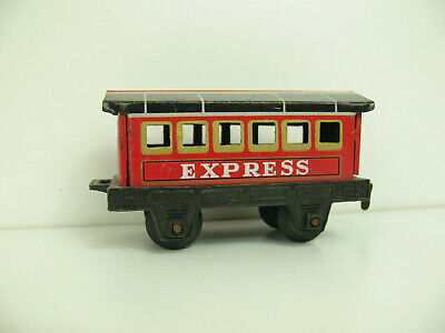 E924) Personenwagen spur OO? Express Made in Japan, alt selten Bing?