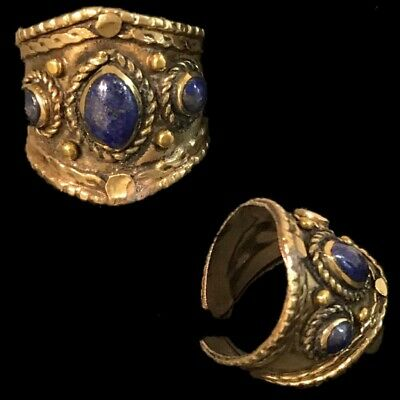 Ancient Silver Decorative Gandhara Bedouin Ring With Lapis Stone 300 B.C (6)