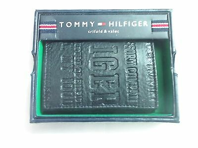 Tommy Hilfiger Leather Trifold Passcase Wallet (Embossed Logo Black)