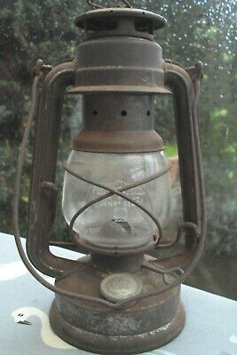 Vintage Rustic West German Feuer Hand Baby 275 Storm Or Hurricane Lamp