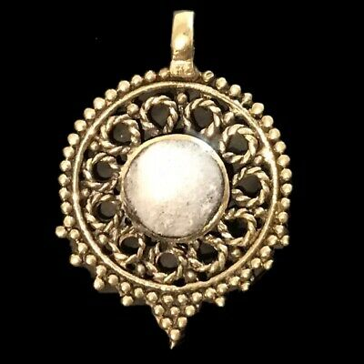 Ancient Silver Decorative Gandhara Bedouin Pendant With White Stone 300 BC (2)