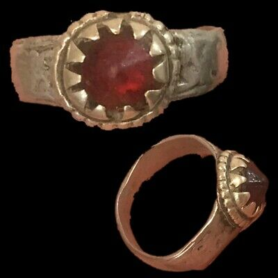 Stunning Top Quality Post Medieval Ring (8)