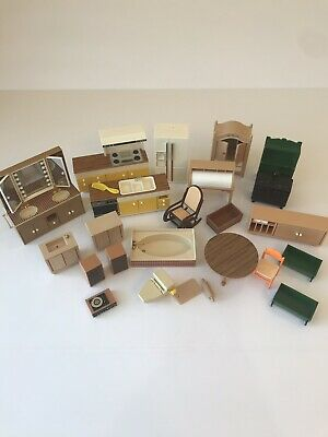 Vintage Tomy Smaller Homes Dollhouse Furniture Mixed LOT Kitchen, Bedroom, Bath
