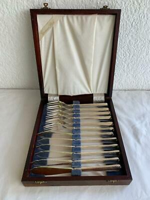 WOODEN BOXED CASE VINTAGE GROSVENOR SILVER PLATE DELPHIC 12pc FISH CUTLERY SET