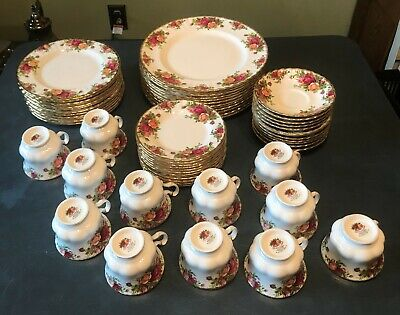 ROYAL ALBERT OLD COUNTRY ROSES CHINA 30 PIECES SERVICE for 6 TWO SETS AVAILABLE
